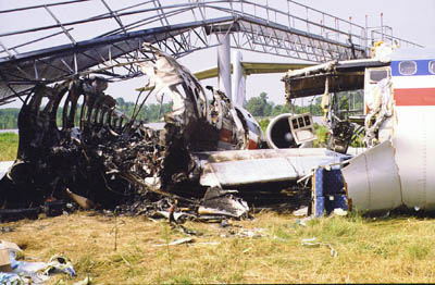 the reasons of american airlines flight 1420 crash Safety intervention: american airlines flight 1420 safety intervention: american airlines flight 1420 sjir reason's swiss cheese model aa flight 1420.